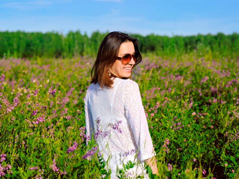 Выбор поз для летней фотосессии на природе – как выглядеть в кадре красиво